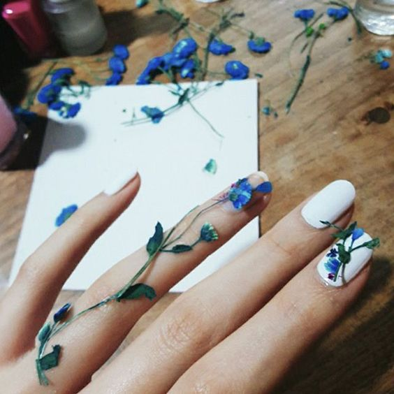 Dried Flower Nail Art You Need To Try Nailstreetz